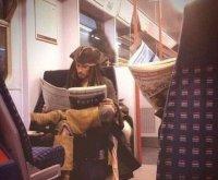 海盗改乘地铁了
